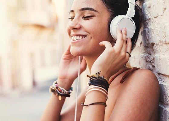 Los peligros de la música con auriculares